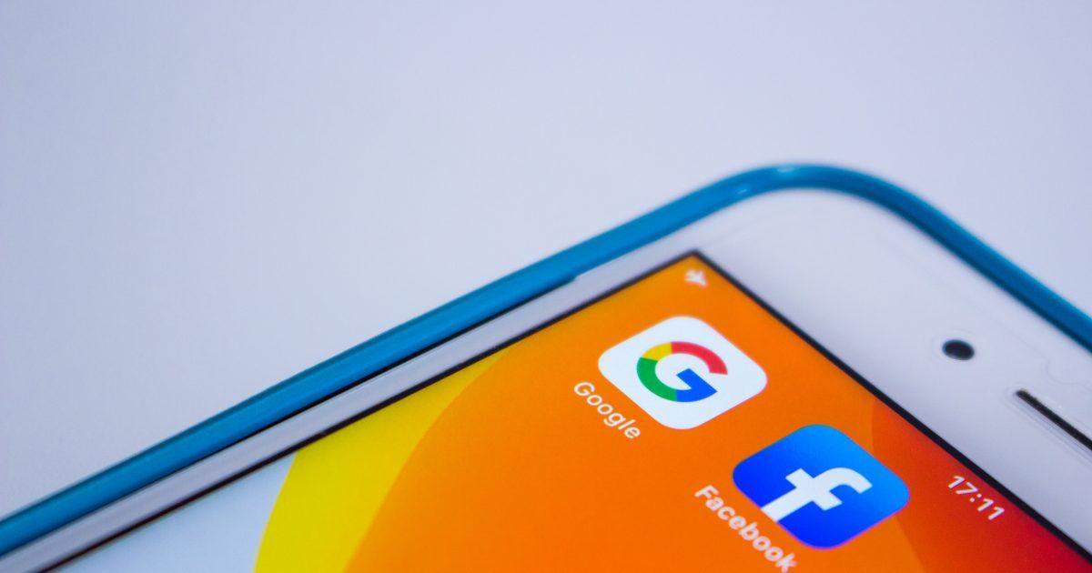 Facebook vs Google: Em qual deve investir?